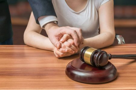 דיון בבית משפט על פיטורי נשים בהריון